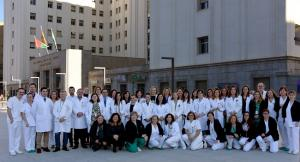 Unidad de Hematología del Virgen de las Nieves, junto a pacientes.