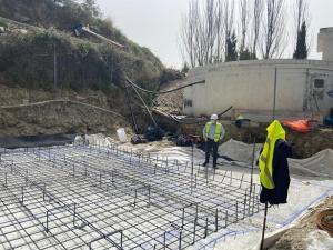 Obras del nuevo depósito de agua para Caratunas.