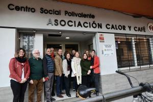 La consejera Sánchez Rubio, junto a responsables de Calor y Café.