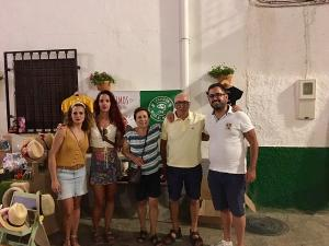 Mercadillo organizado por 'Lanjarón Mira al Mundo' en Cáñar.