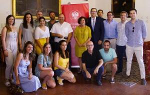 Miembros de las asociaciones y de la UGR.