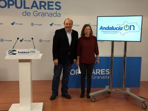 Sebastián Pérez con Patricia Navarro este jueves.