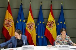 Pablo Iglesia y la ministra de Trabajo, Yolanda Díaz.