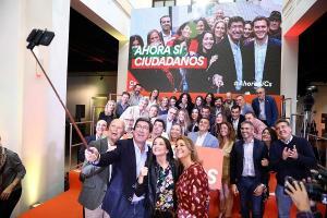 Marín, arropado por Arrimadas, ha presentado en Málaga la imagen y eslogan de la campaña.