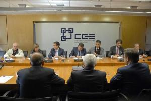 Cuenca, en una reunión con la Confederación Granadina de Empresarios el pasado año.