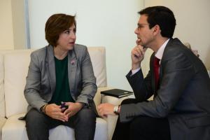 La delegada del Gobierno andaluz y el alcalde, en el encuentro institucional.