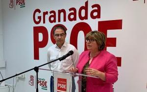 Ana Muñoz en una rueda de prensa con Miguel Ángel Fernández Madrid.