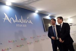 Luis Salvador con Juan Marín, en enero pasado en Fitur.