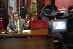 Baldomero Oliver, en rueda de prensa.