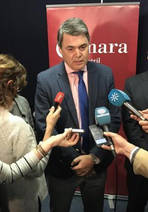El portavoz parlamentario del PP junto al alcalde de Lújar.