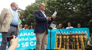 César Girón, durante un acto en defensa de la capitalidad judicial organizado por la plataforma.