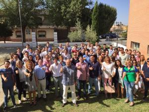Sebastián Pérez con los jóvenes de Nuevas Generaciones.