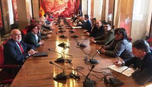 Gregorio Cámara y Elvira Ramón han participado junto a otros diputados socialistas en la reunión.