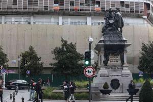 El edificio de la Plaza Isabel La Católica en plena remodelación, antes de albergar el hotel.