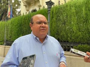 José Robles, en una imagen de archivo junto a la Subdelegación del Gobierno.