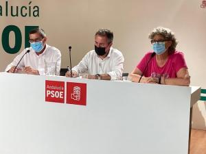 El candidato del PSOE-A a la Presidencia de la Junta, Juan Espadas, comparte una jornada de trabajo con la Comisión Ejecutiva del PSOE de Granada.