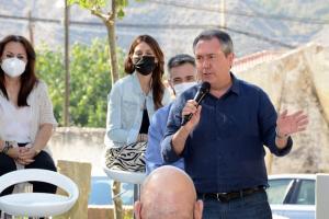 El secretario general del PSOE de Andalucía, Juan Espadas , en Gorafe.