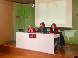 Ángeles Álvarez junto a Teresa Jiménez y Mª José Sánchez.