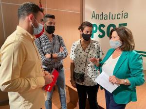 María José Sánchez con los representantes socialistas de Las Gabias.