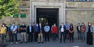 Alcaldes y ediles socialistas del área metropolitana, a las puertas de la Junta.