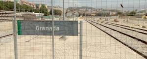 Granada lleva aislada por tren año y medio.