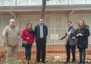 Representantes del PP en su visita a Otura.