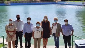 Representantes del PP, con la alcaldesa de Huéscar, en su visita al municipio.