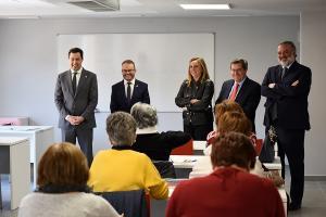 Juan Manuel Moreno junto al alcalde de Puebla de Don Fadrique, la consejera de Fomento, el presidente de la Diputación y el delegado del Gobierno andaluz.