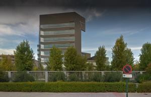 Edificio Administrativo de la junta, donde se ubica la sede del Distrito Sanitario Metropolitano.