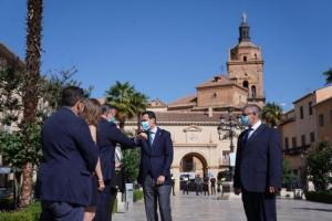 Juan Manuel Moreno en una reciente visita a Guadix.
