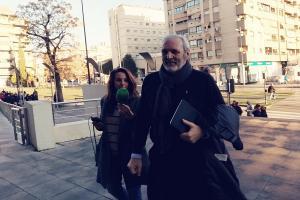 Manuel Lorente a su llegada al juicio el lunes.
