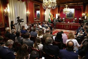 Luis Salvador en el pleno en el que fue elegido alcalde.