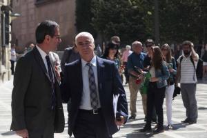 Alonso, con su abogado, a la salida del TSJA.