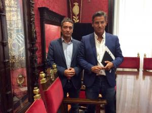 Luis Salvador y Manuel Olivares tras la rueda de prensa de hoy.