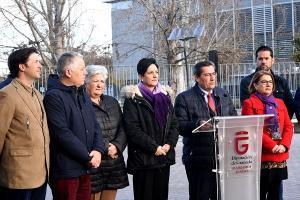 Lectura del manifiesto del 8M este viernes a las puertas de la sede de la Diputación.