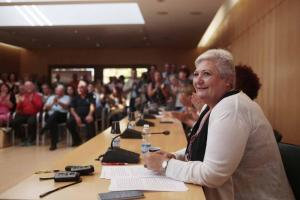 La alcaldesa, María Ángeles Blanco, durante el pleno.