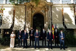 Reunión de los presidentes de las diputaciones con Juan Manuel Moreno.