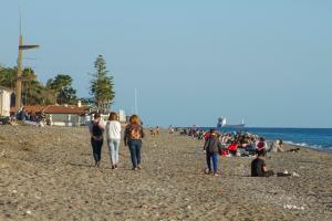 Imagen de Playa Granada, en Motril este domingo.