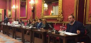 García Montero y Egea no han asistido al pleno de este viernes, el último del año.
