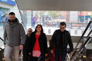Los representantes de Podemos IU, este viernes en la estación de Recogidas.