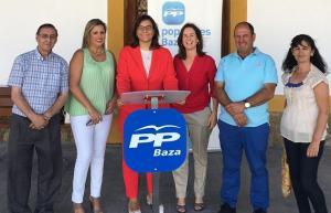 Dirigentes provinciales del PP, en Baza.