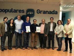 Encuentro de los candidatos del PP y José Antonio Nieto con los delegados sindicales.