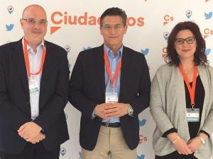 Raúl Fernández, Luis Salvador y María del Mar Sánchez.