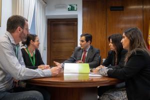 Reunión de representante del PP con el comité de empresa de la EASP.