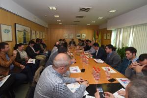 Reunión de los alcaldes con el presidente de la Diputación.
