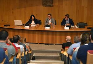 A la reunión han asistido representantes de 80 municipios.
