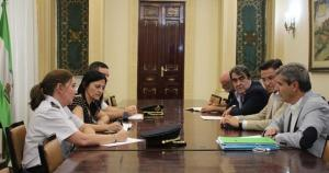 Imagen de archivo de una reunión entre la Subdelegación y el gobierno local.