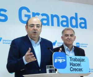 Sebastián Pérez y Santiago Pérez, en rueda de prensa.