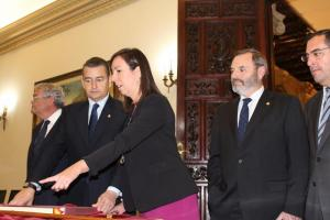 Sanz con la subdelegada del Gobierno en funciones.