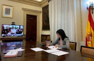 Inmaculada López Calahorro en una reunión de coordinación con la Delegación.